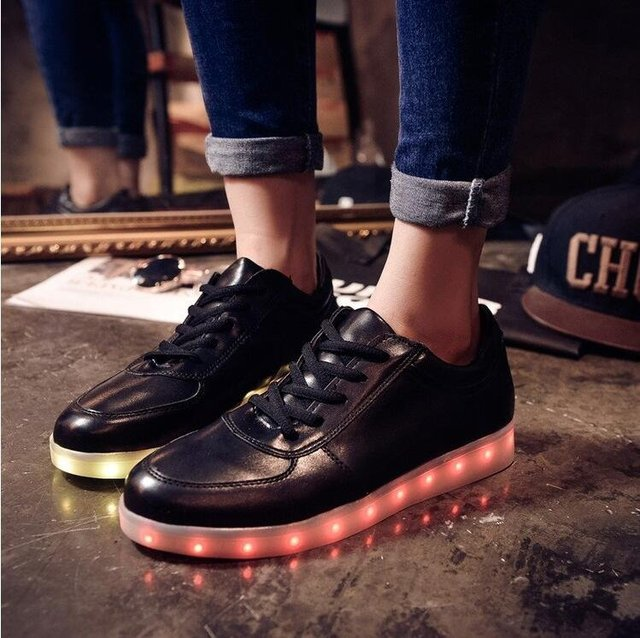 Usb rechargeable led shoes