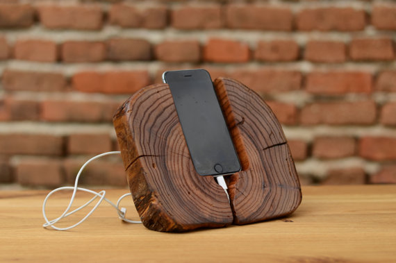 Dock wood iphone 6 stand
