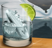 Thumb medium gin and titanic ice tray