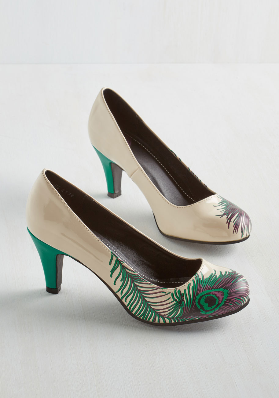 Proudly posh heel in ivory