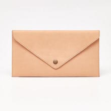 Thumb medium sobre leather clutch camel