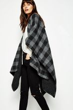 Thumb medium tilcoultry wool cape