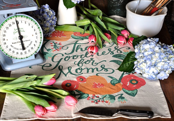 Tea towel for mom  thank goodness for moms2