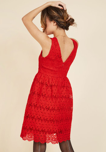 Stately satisfaction lace dress in tomato 2