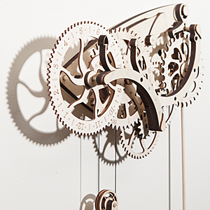 Hshg wooden mechanical clock beauty