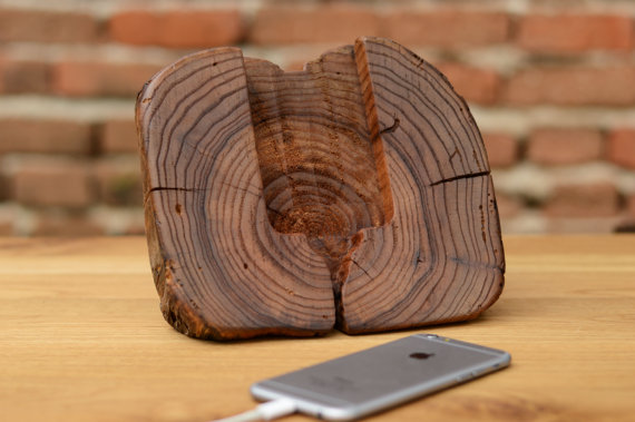 Dock wood iphone 6 stand 2