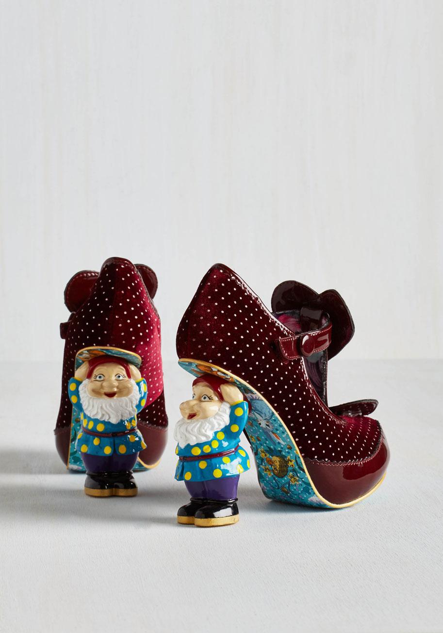 When in gnome heel in burgundy3
