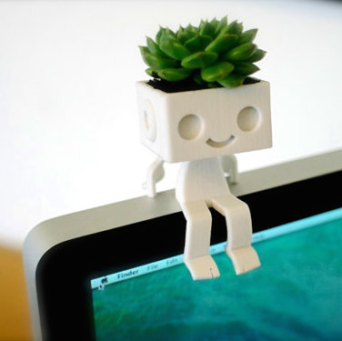 3dprinted cute robot succulent planter  sitting2